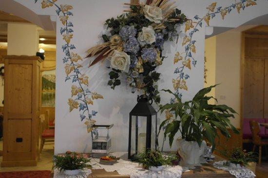 Hotel Sasso Rosso: sala reception
