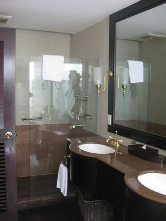 Thanh Thuy Hotel Dalat: bagno