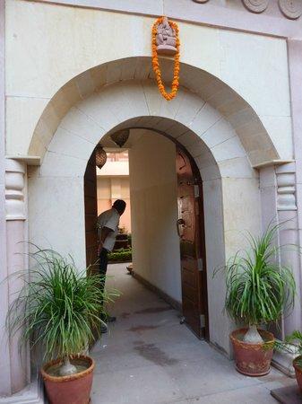 Suryauday Haveli - An Amritara Resort: Ingresso dell'Hotel