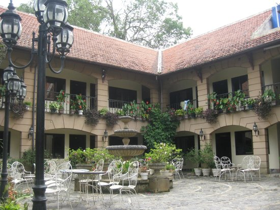 Thanh Thuy Hotel Dalat: cortile interno