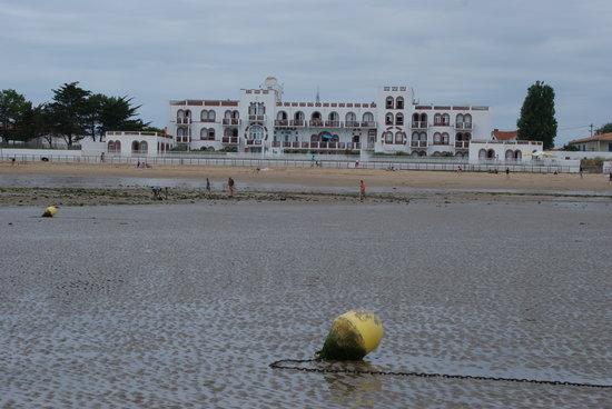 Vacancéole - Résidence de l'Océan : PARTIE DE PECHE FACE A LA RESIDENCE DE L'OCEAN
