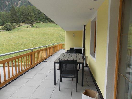 A CASA Appartements & Chalets: Balcone grande