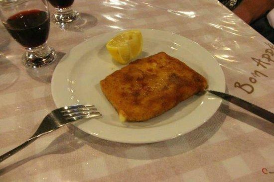 Taverna Michel: feta fritta ( la versione della nostra mozzarella in carrozza )