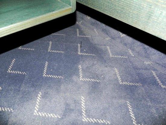 Insel-Hotel Lindau : pavimento davanti al letto