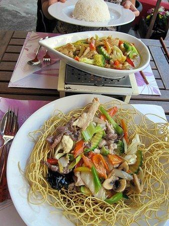 SaiGon Moon: div. Gemüse und Mi Xao Don