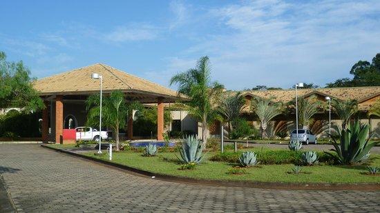 Sol do Mogi Hotel : belle entrée