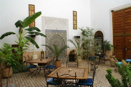 Riad Attarine: patio