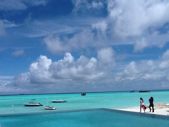 PER AQUUM Niyama Maldives: Beach view of Niyama --my last day