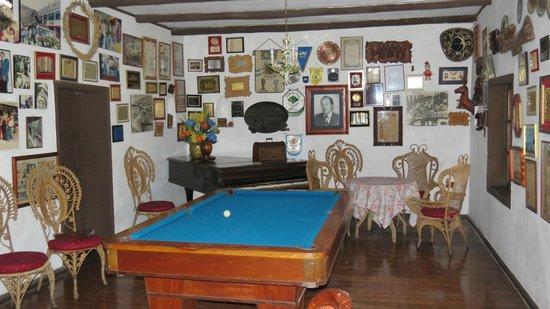 Hacienda- Hosteria Chorlavi: La salle de billard