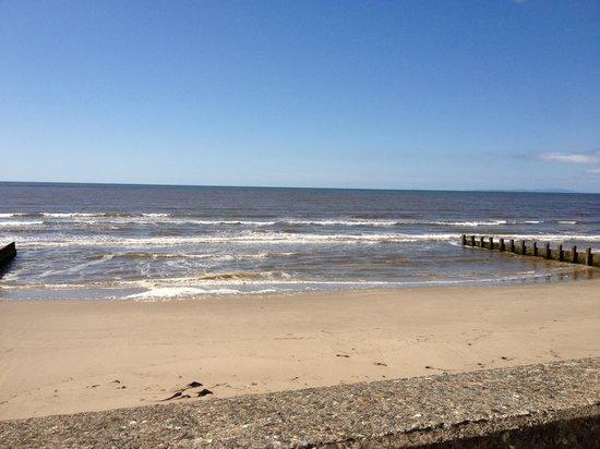 Hendre Mynach Caravan Park: Lovely beach