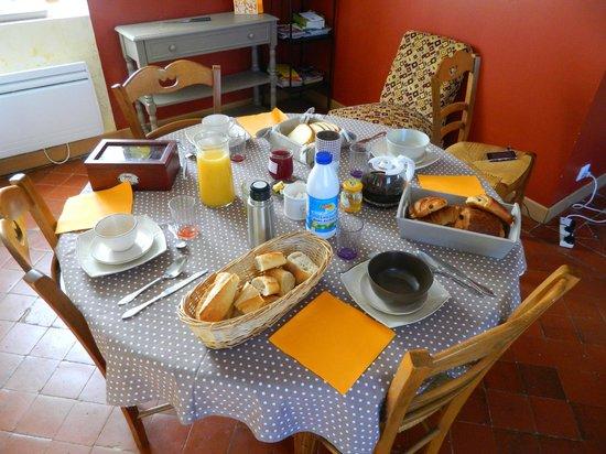 La Rose des Champs : Nice breakfast ! !