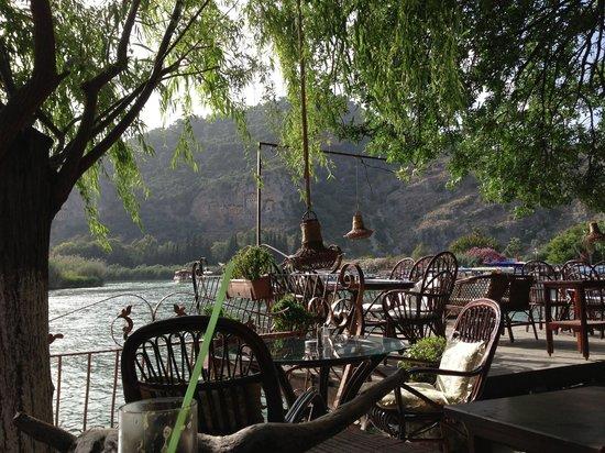 Beyazgul Restaurant : Lekker in de late namiddag in Beyaz Gül