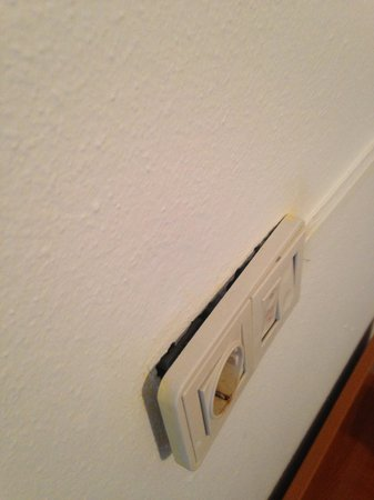 Apartahotel Monterrey: Health and safety plug socket