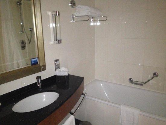 Hilton London Paddington: Bathroom