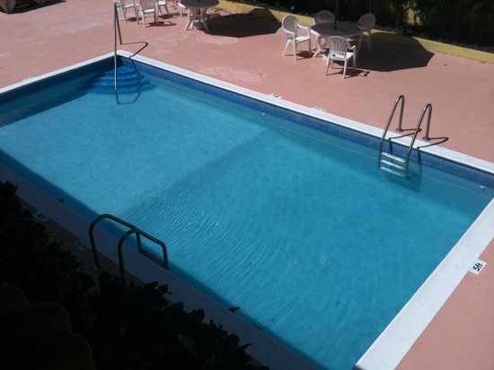 Tropical Winds Apartment Hotel: My swimming pool
