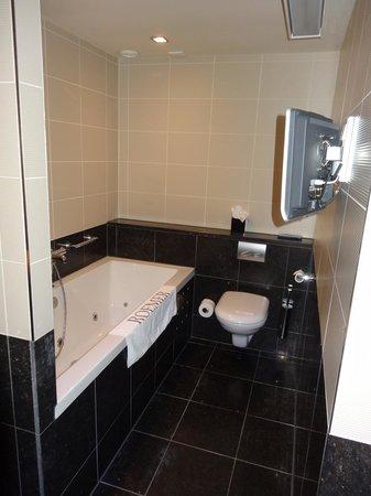 Hotel Roemer: Bathroom 2