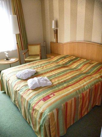 Berghotel Bastei: Doppelzimmer mit Felsblick