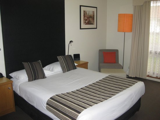 Sovereign Park Motor Inn: Comfy Bed