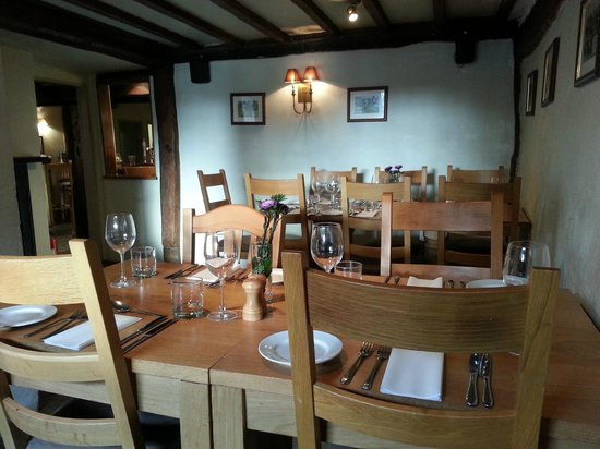 The Cricketers' Arms : Dining