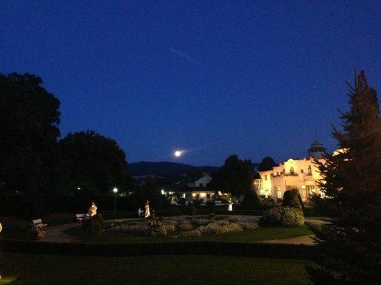 Danubius Health Spa Resort Thermia Palace: moonlight