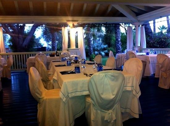 Hotel Mediterraneo : ristorante estivo
