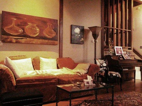 Marshall Woods Bed & Breakfast: Living Room