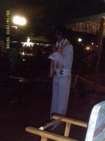 Ti Amo Steak House Ristorante Italiano Pizzeria: Elvis Lives!!!