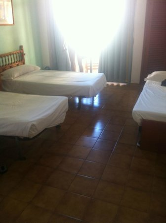 Ibiza Rocks Hostal: Room