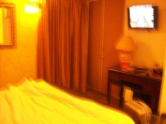 Hotel Pantheon: Lit