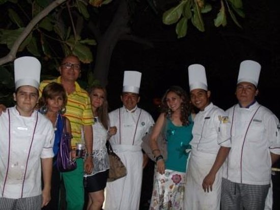 Azul Ixtapa Beach Resort & Convention Center: Con los chefs del Oyster.