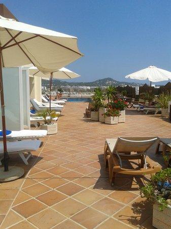 Royal Plaza Hotel: Royal Plaza rooftop pool
