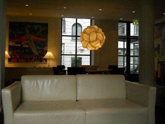 Hotel Copenhagen Crown: Lobby