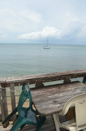 Al's Mar Azul : Always a sailboat out there