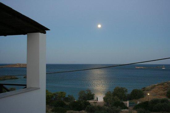 Reggina's Apartments : clair de lune vu à partir d'une des terrasses de notre appartement
