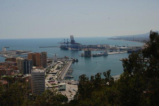 Parador de Malaga Gibralfaro: The view from our second floor room: the Port