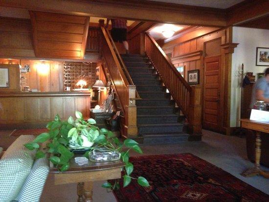 McCloud Hotel: Lobby