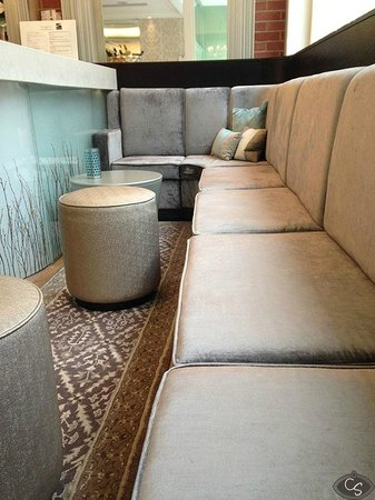 Sands Hotel: Swish seats by the bar