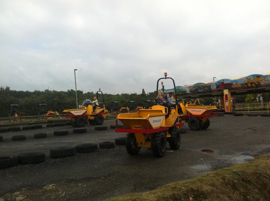 Strood, UK: Dumper trucks