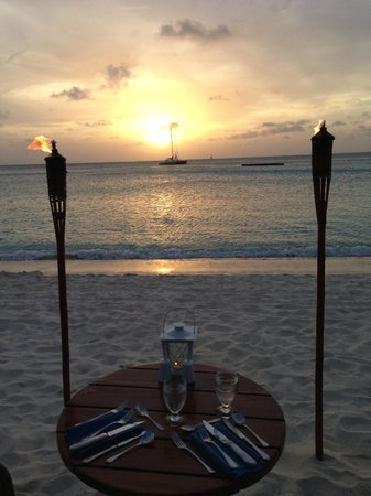 Dinner by Torchlight at the Radisson Aruba: Torchlight dinner sunset