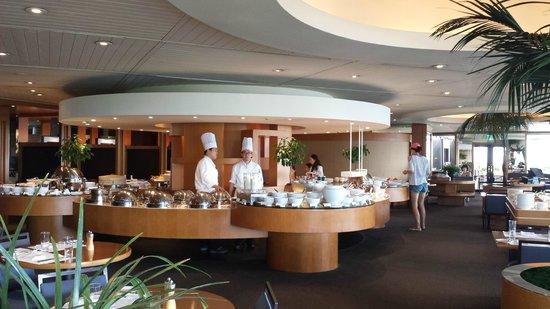 Grand Hyatt Seoul: Breakfast buffet from the Terrace restaurant.  Seems a bit overpriced to me.