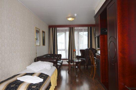 Best Western Laegreid Hotell: .... e dall'altro