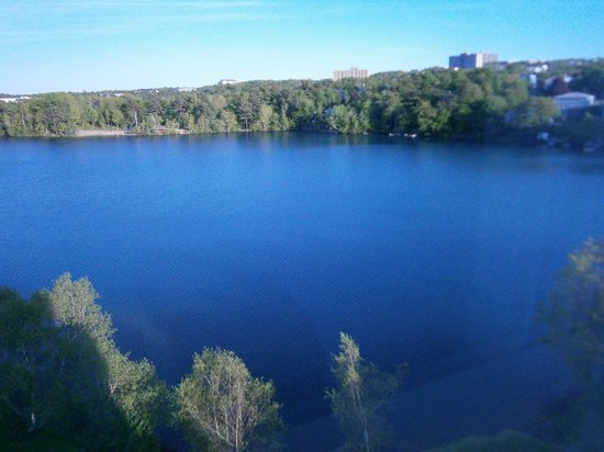 Best Western Plus Chocolate Lake Hotel : Lake view from the room