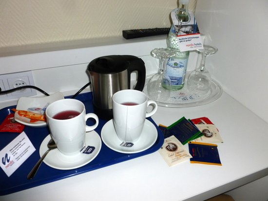 Nordic Hotel Stuttgart-Sindelfingen: Tea and Coffee for free, super.
