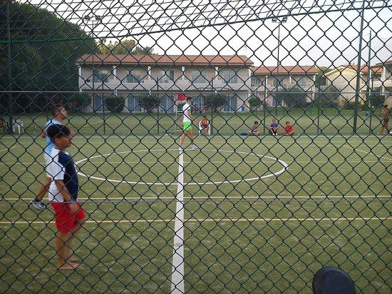 Nicotera Beach Village: Football/tennis place