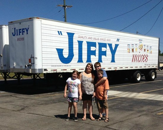 Jiffy Mix Company: We're at the Jiffy plant