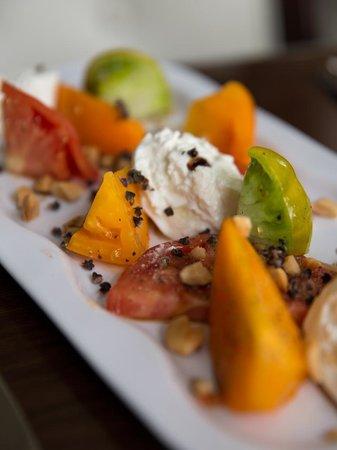 Paramour at Wayne Hotel: Heirloom Tomato