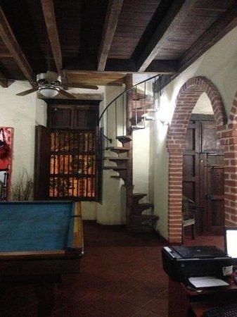 escaleras pequeas de acceso a las habitaciones fantasma Picture