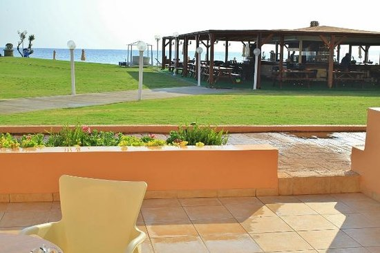 Kiani Beach Resort : vue sur le bar