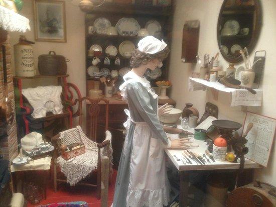 Bognor Regis Museum: kitchen