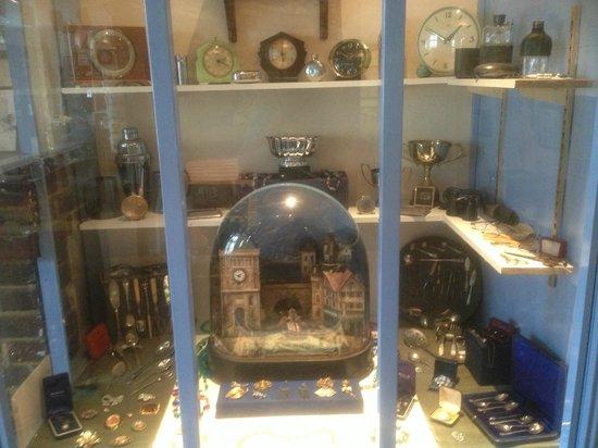 Bognor Regis Museum: jewellers